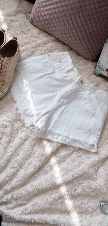 Białe jeansowe spodenki szorty