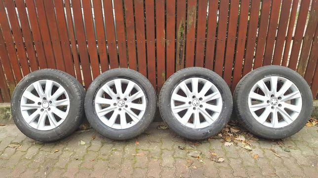 Sprzedam 4 oryginalne felgi aluminiowe VW/OPONY GRATIS!!!