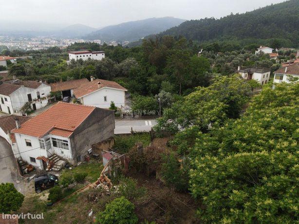Ruína com terreno para construção - Miranda do Corvo