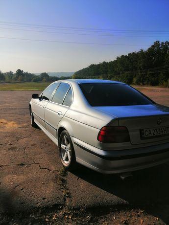 Продам BMW E39 528I