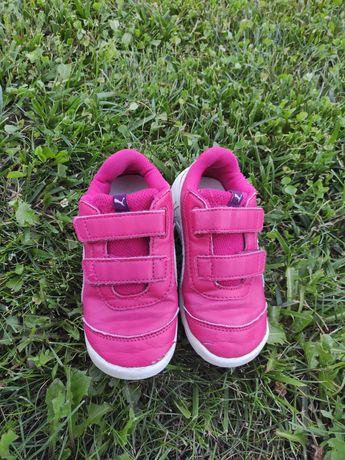 Кроссовки Puma для девочки, 26 размер, 17 см. На липучках.