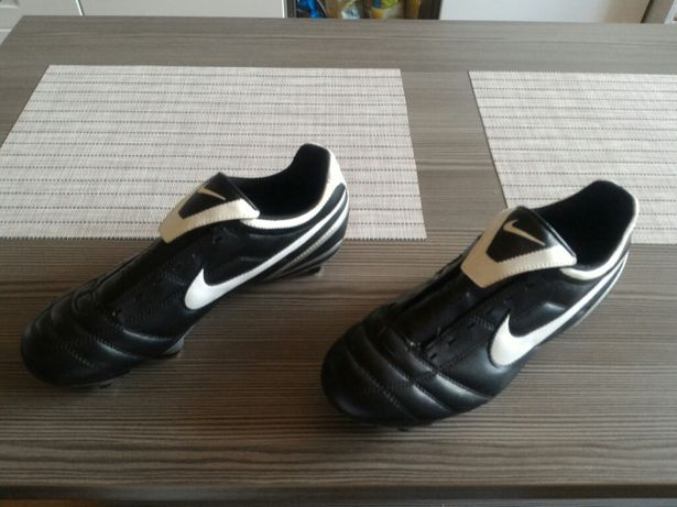 Nike, buty piłkarskie, korki, tritki