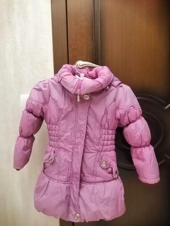 Тепла курточка на дівчинку 110см