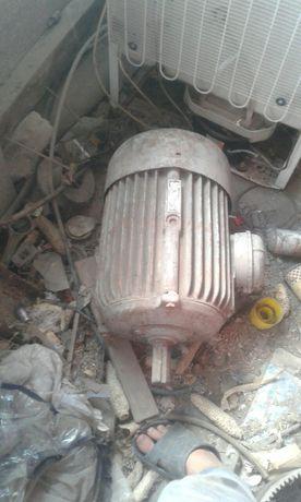 Електродвигун на 380v, 7,5кв, 1000 оборотів