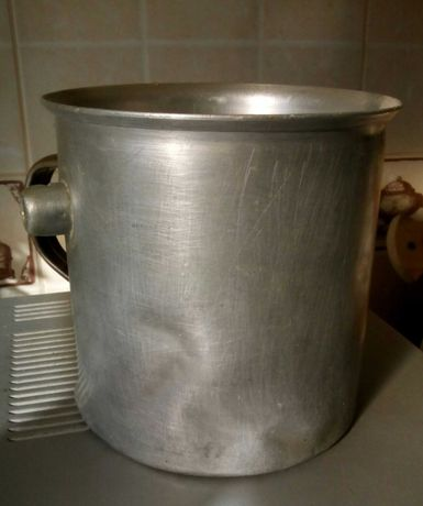 Кастрюля для молока с двойными стенками