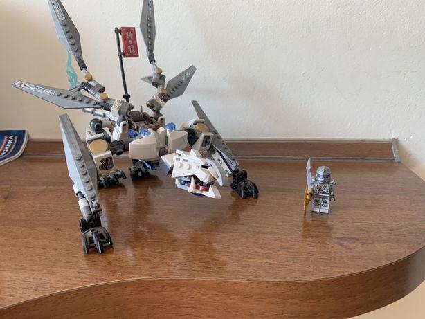 Lego ninjago Zane na smoku