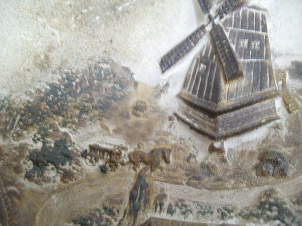 talerz gipsowy płaskorzeźba