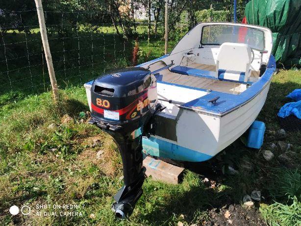 Łódka , motorówka z silnikiem zaburtowym