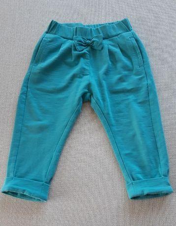 Miętowe spodnie marki Coccodrillo, r.80
