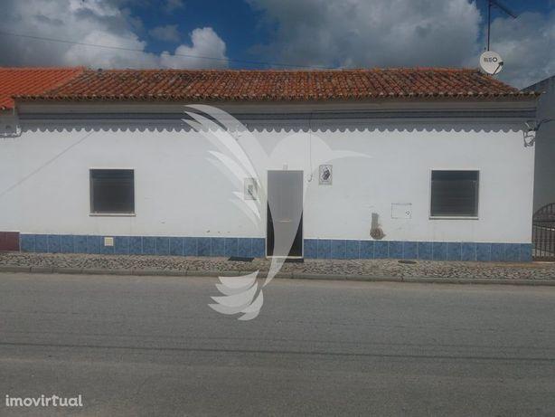 Moradia Geminada T2 em Aldeia Alentejana