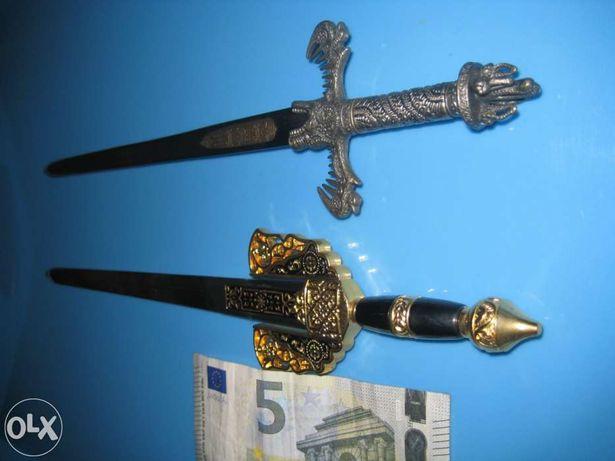 Colecção de 14 Espadas em Miniatura (Abre Cartas)