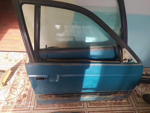 Двері пасажирські Passat b3