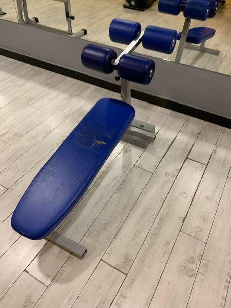 Masters ławka do ćwiczeń mięśni brzucha Technogym Life Fitness