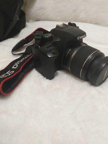 Maquina CANON 1000D + lente 55 pouco uso