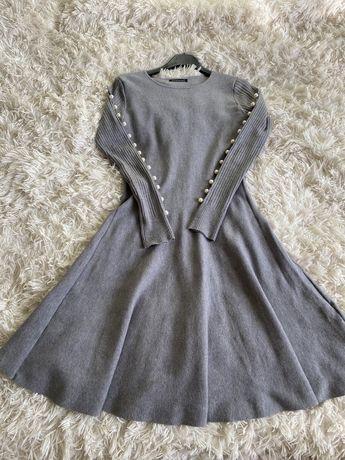 Сукня сірого кольору s/m