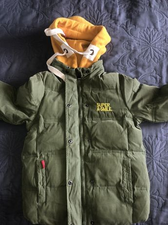 Продам куртку теплую на мальчика.