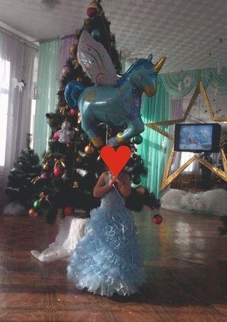 Прокат новогодних бальных платьев