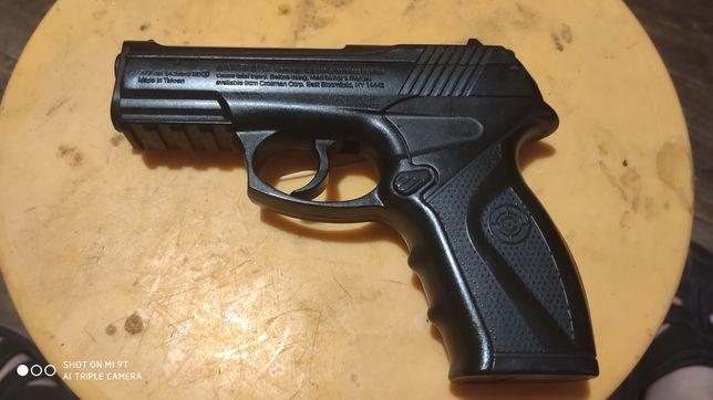 Страйкбольный пистолет Crossman C11