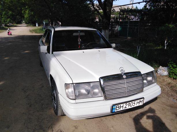 Срочно продам Mercedes E 124 1990