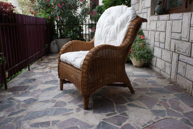 Piękny fotel TRON USZAK z CIEMNEGO RATTANU! Stan powystawowy! WYSYŁKA!