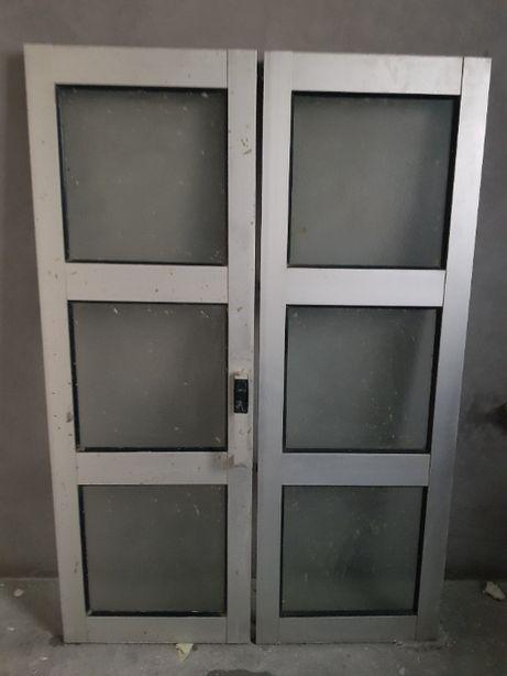 Janela Aluminio Cinzenta + Grade
