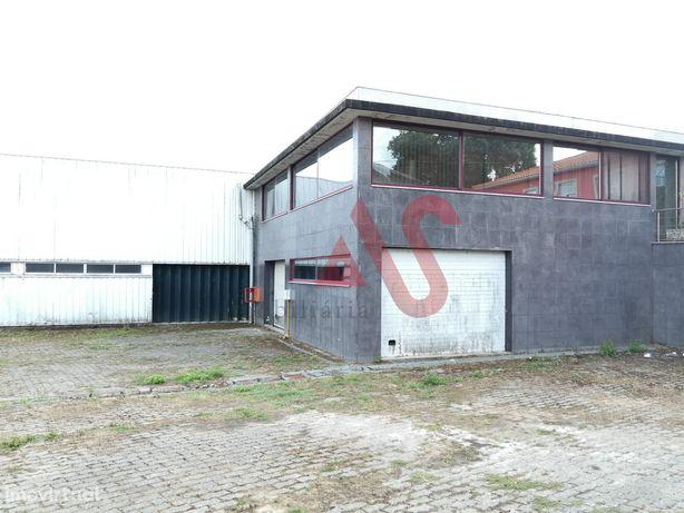 Armazém com 541,20 m2 em Vila Frescainha São Pedro, Barcelos