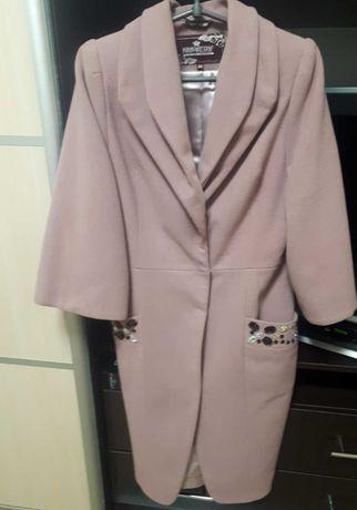 Продам пальто в отдичном состоянии