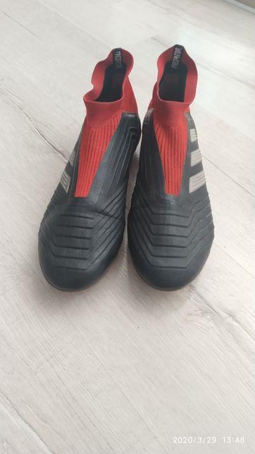 Бутсы Adidas Predator