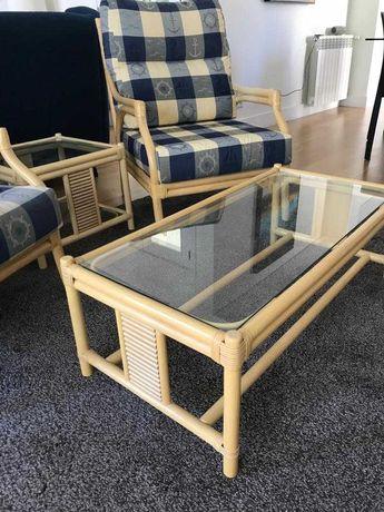 2 Mesas de apoio em Bambu