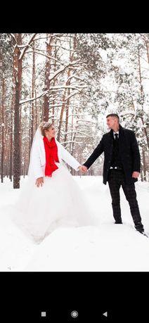 Продам весільну сукню 44 розміру