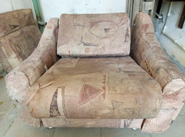Кресло мягкое под реставрацию