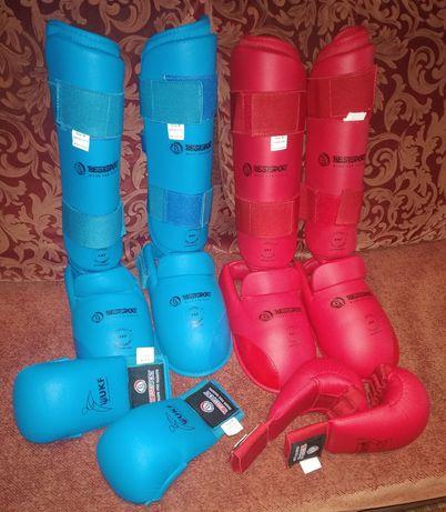 Защита для ног и перчатки на каратэ (wkf)