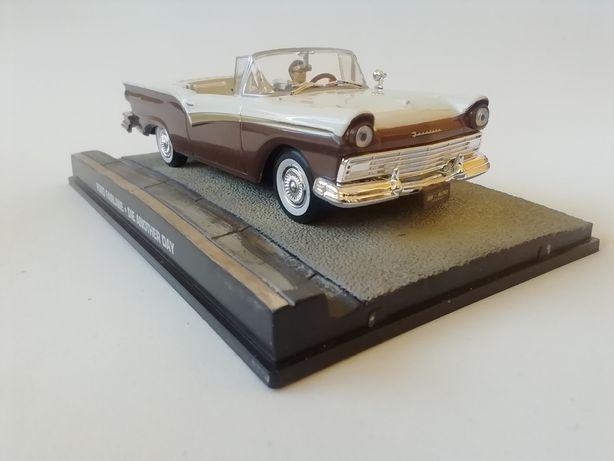 1/43 Ford Fairlane Cabriolet - James Bond (Miniatura - Eaglemoss)