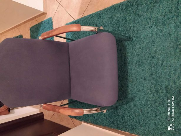 Krzesło kolor niebieski
