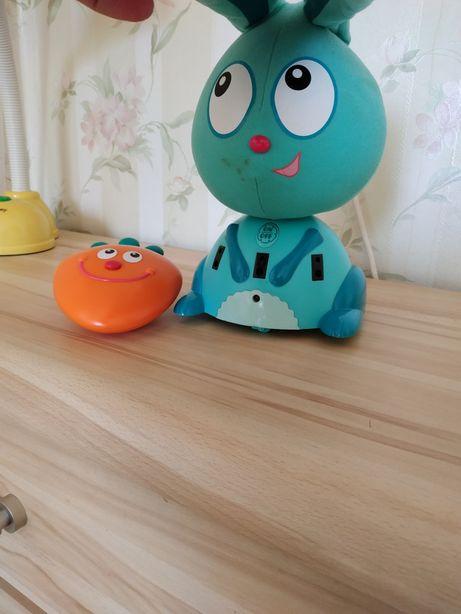 Интерактивная игрушка За мной, Банни!