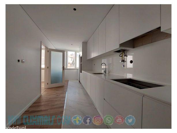 Apartamento T3 - Renovado - Central