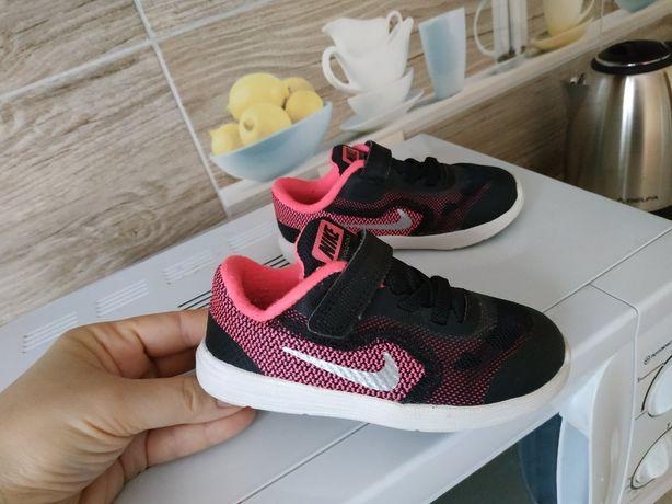 Кроссовки Nike (оригинал) р.24-25, отличное состояние