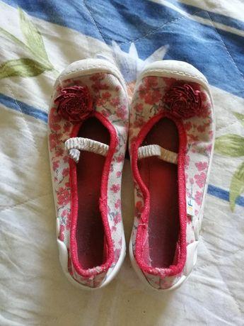 Макасины / балетки / обувь для девочки