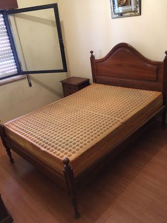 Conjunto cama e cabeceiras