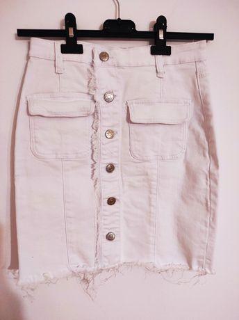 Biała, jeansowa mini