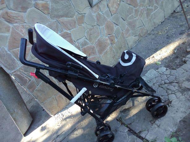 Продам коляску трость черная concord quix