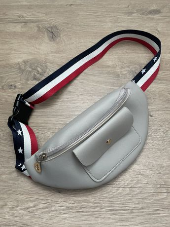 Поясная сумка сумочка бананка с ярким ремешком