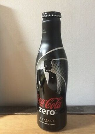James Bond. Coca cola.