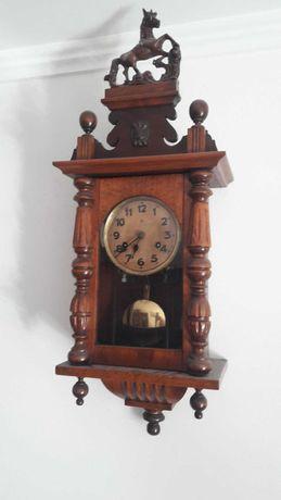 Relógio de parede antigo Cavalinho