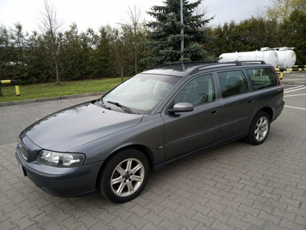 Volvo V70 2,4 benzyna z Niemiec,bardzo ładny stan,opłacone,2004 rok