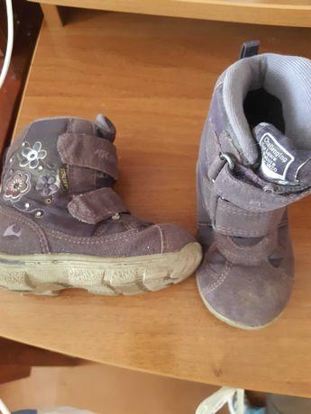 Зимняя обувь и одежда на девочку 2-4 лет