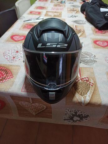 Vendo capacete LS2 tamanho M