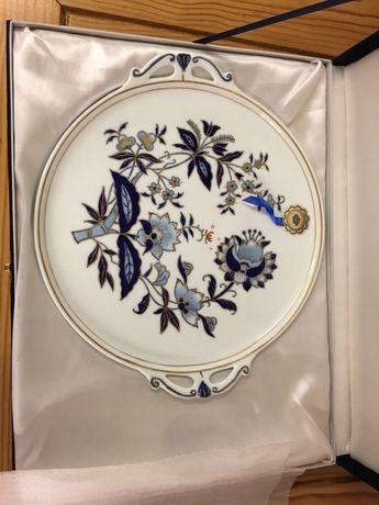 Prato de porcelana pintado à mão Victória