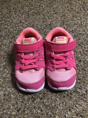 Крутые кроссовки Nike оригинал, 22 размер, на ножку 12см