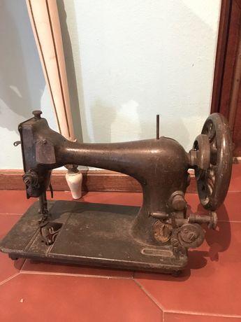 Maquina de costura antiga, Para decoração